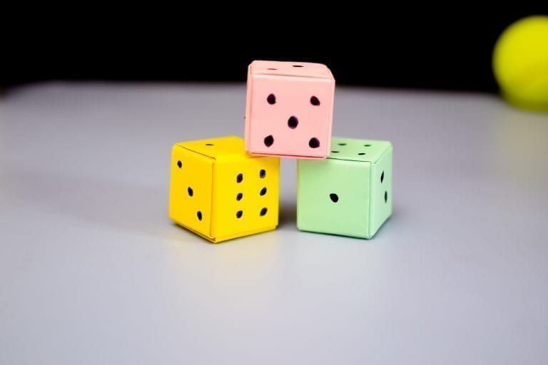 How-to-make-paper-dice.